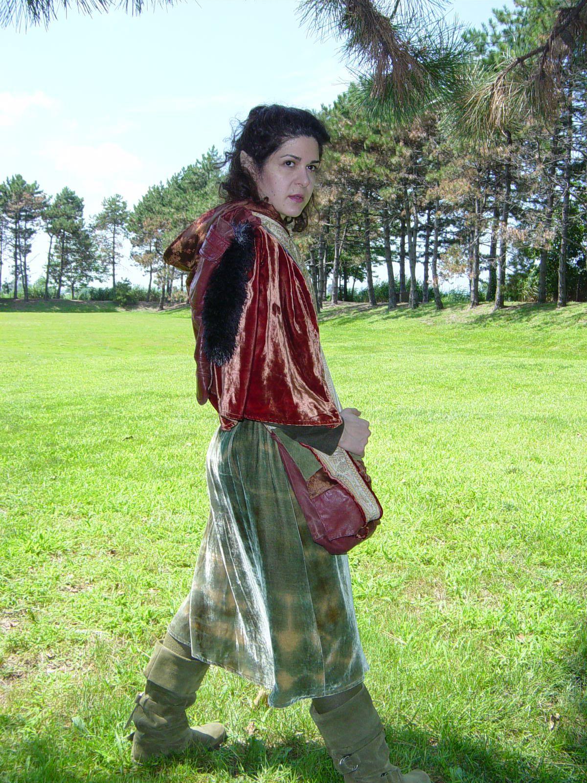 Anna of Mirkwoodside walking through a meadow